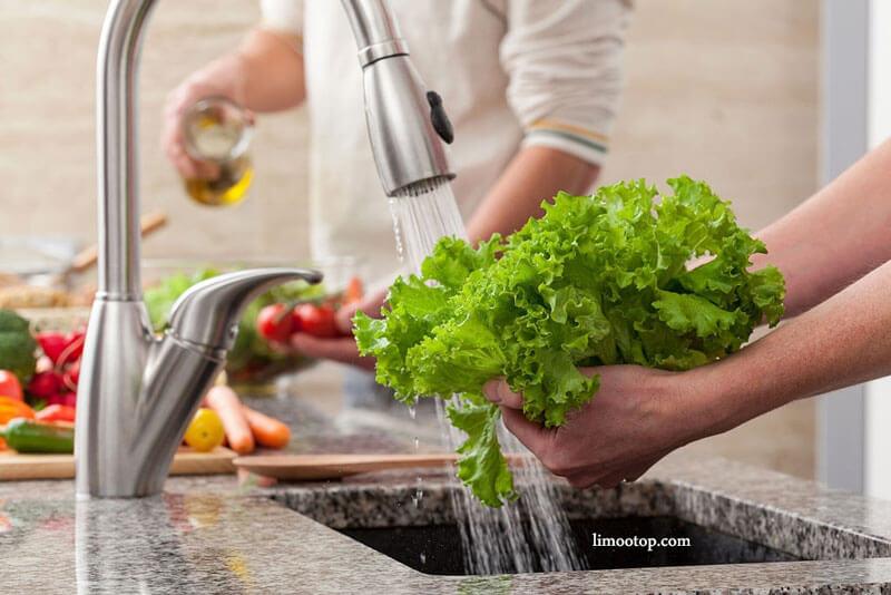 شستشوی سبزیجات و میوه ها