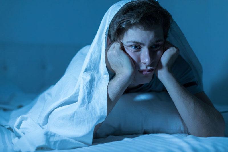 علائم بیخوابی
