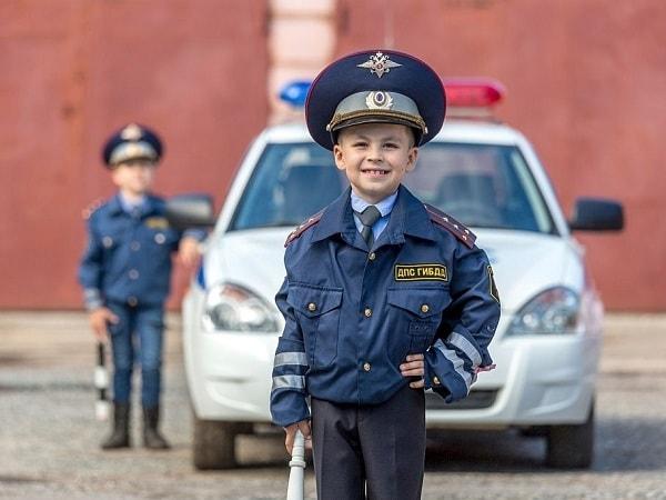 راهنمای خرید لباس پلیس برای بچه ها