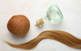آشنایی با فواید روغن نارگیل برای مو