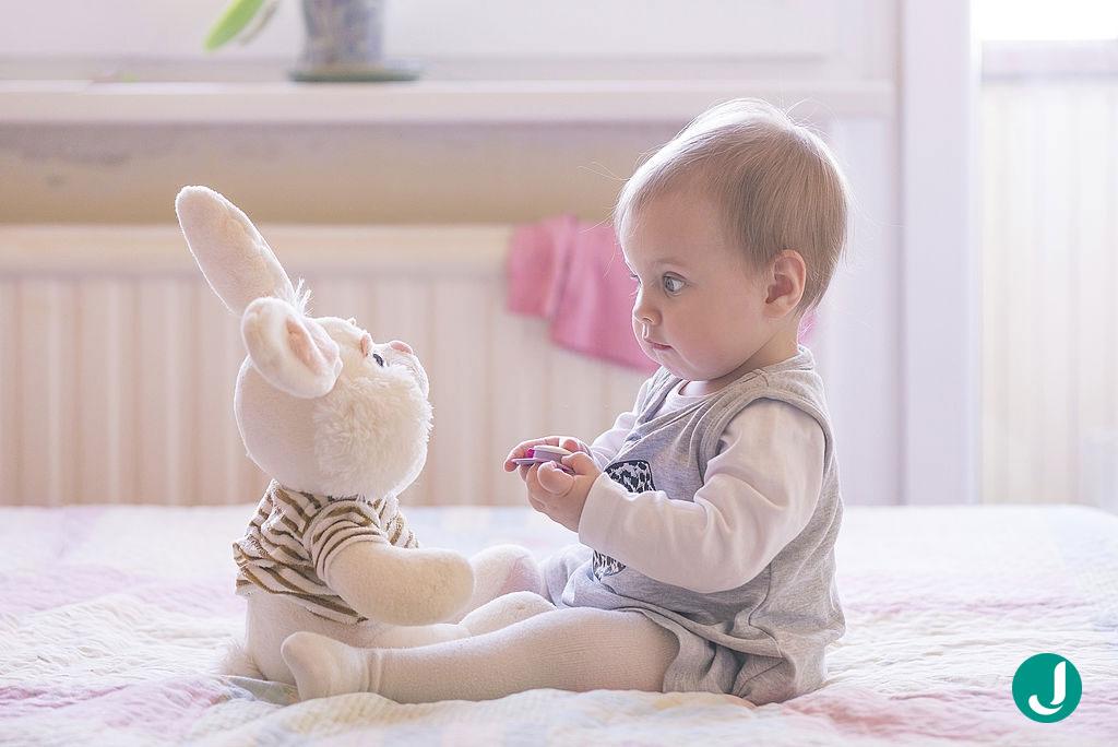 یک روز از زندگی کودک شما در ماه هفتم