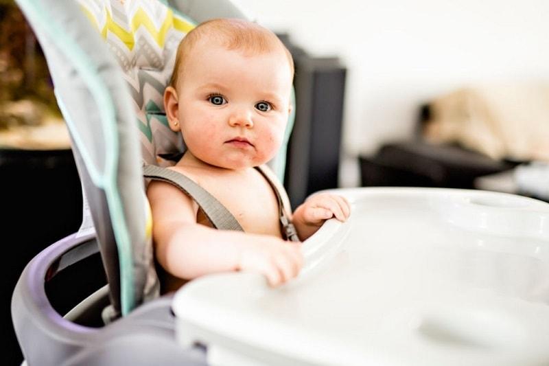 غذا خوردن کودک در ماه یازدهم